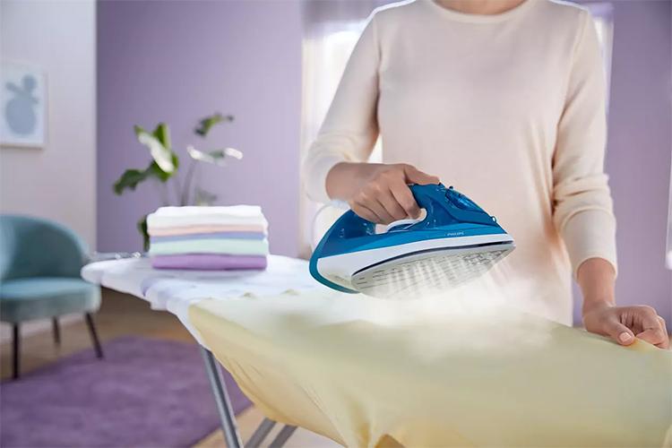 Tại sao nên dùng bàn ủi hơi nước? 1