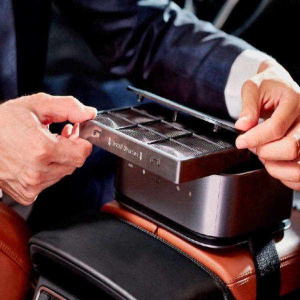 Máy lọc không khí, khử mùi trên xe ô tô Philips GP9101 cảm biến chất lượng không khí 6 màu 24