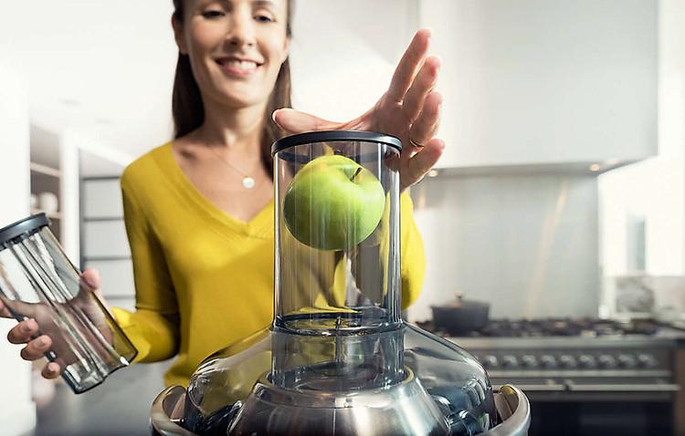 Máy ép trái cây Philips HR1922 có Ống tiếp nhiên liệu lớn