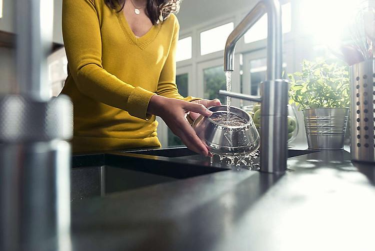 Máy ép trái cây Philips HR1922 Dễ dàng làm sạch