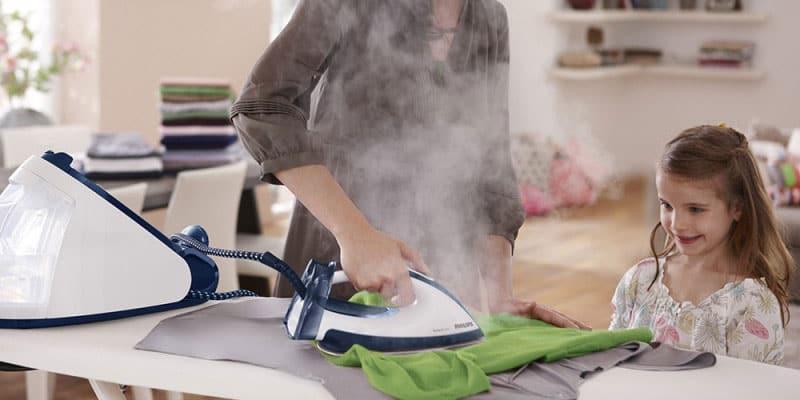 Ủi nhanh hơn hẳn so với bàn ủi thường nhờ vào luồng hơi nước mạnh giúp xóa các nếp nhăn trên vải nhanh chóng